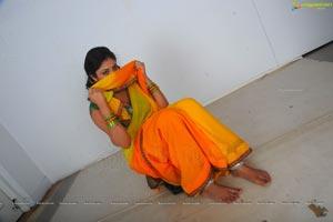 Haripriya in Langa Voni