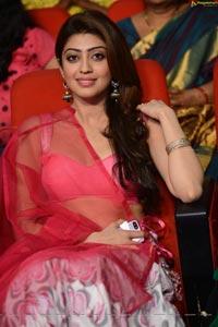 Pranitha Subhash at Attharintiki Daredhi Success Meet