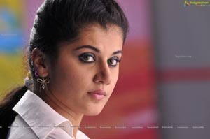 Taapsee in Arrambam High Definition Photos