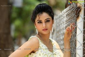 Tollywood Actress Madirakshi Mundle
