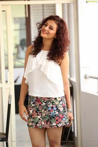 Seerat Kapoor Photos