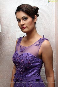 Angela Kumar Photos