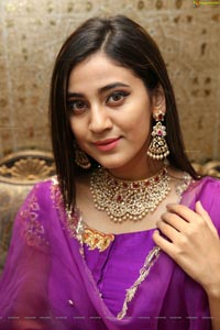 Andleeb Zaidi HD Photos