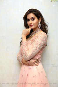 Roshni Sheoran HD Photos