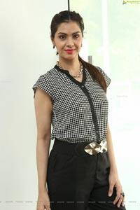 DJ Sharon Aamir