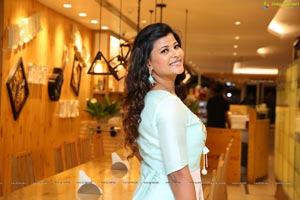 Veena Vijendar (HD) Photo Gallery