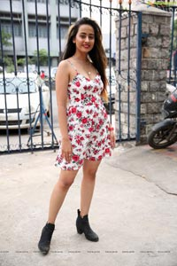 Ameeksha Amy Pawar at Silk and Cotton Expo Launch