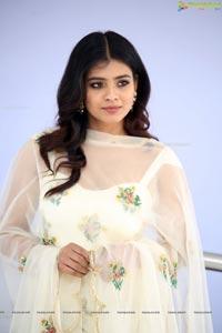 Hebah Patel at 24 Kisses Trailer Launch