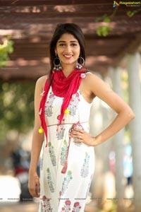 Telugu heroine Priya Vadlamani