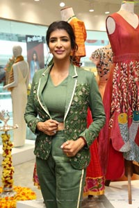 Manchu Lakshmi at Endless Knot Handloom Store