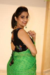 Manjusha at Evvarikee Cheppoddu Pre-Release Event