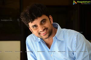Rakesh Varre at Evarikee Cheppoddu Interview