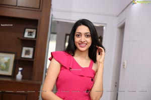Lakshmi Ayalasomayajula at Sutraa Select Curtain Raiser