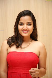 Siri Hanmanth HD Photo gallery