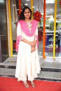 Smita at Pure O Natural outlet Opening