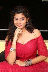 Manasantha Nuvve Heroine Bindu
