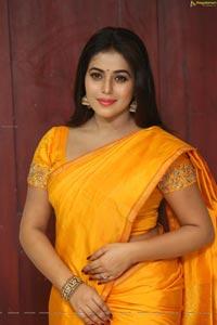 Poorna Shamna Kasim