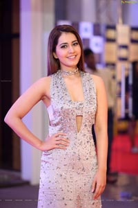 Heroine Raashi Khanna
