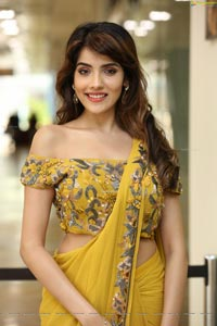 Aditi Hundia at Hi-Life Fashion Exhibition