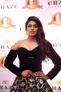 Iniya at Dadasaheb Phalke Awards South 2019