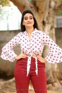 Manjusha at Tenali Ramakrishna BA BL Teaser Launch