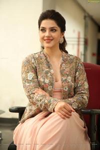 Mehrene Pirzada at Chanakya Interview