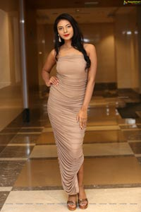 Neha Gupta at Arkayam Exhibition Curtain Raiser