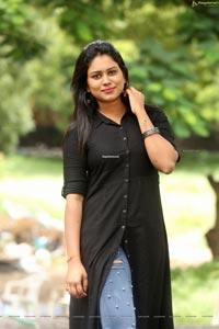 Ramya at Beach Road Chetan Teaser Launch