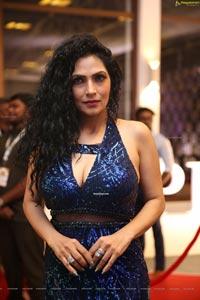 Simran Deenz Ahuza at Dadasaheb Phalke Awards