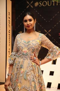 Vineetha at Dadasaheb Phalke Awards South 2019