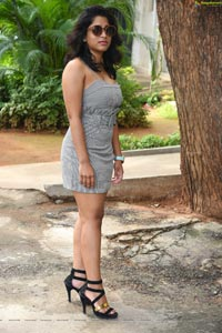 Yamini at Tenali Ramakrishna BA BL Movie Teaser Launch