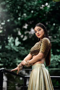 Bommu Lakshmi Latest Photoshoot Images