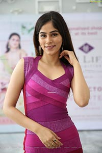 Nikita Tanwani at Hi-life Pop-Up Exhibition 2020 CR