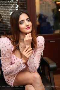 Pooja Thakur at Truefitt & Hill Luxury Salon Launch