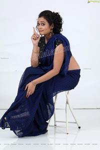 VJ Jaanu in Navy Blue Chiffon Saree