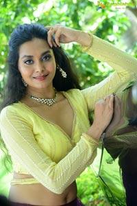 Gnana Priya at Veyi Subhamulu Kalugu Neeku Teaser Launch