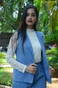 Tamanna Vyas at Veyi Subhamulu Kalugu Neeku Teaser Launch
