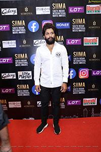 Allu Arjun at SIIMA Awards 2021 Day 2