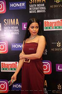 Bhavya Sri at SIIMA Awards 2021