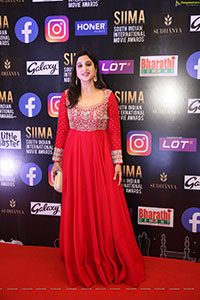 Brinda Prasad at SIIMA Awards 2021