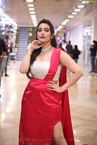 Anchor Manjusha at At SIIMA Awards 2021