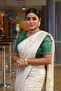 Poorna at Thalaivi Movie Pre-Release Event