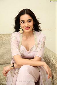 Saathvika Raj at Neetho Movie Trailer Launch