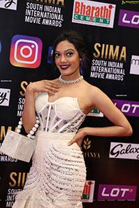 Sarah Harish at SIIMA Awards 2021 Day 2