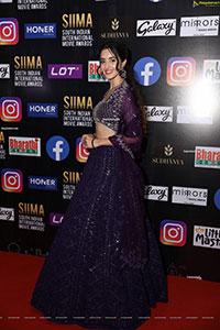Simrat Kaur at SIIMA Awards 2021