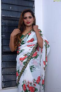 Sugandha Rao Photoshoot in Traditional Silk Saree