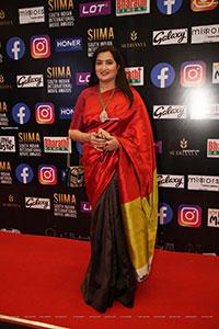 Sumalatha Ambareesh At SIIMA Awards 2021