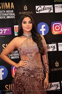 Tanya Hope at At SIIMA Awards 2021