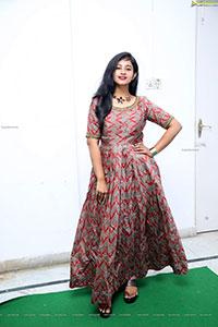 Yashna Chowdary Latest HD Photo Gallery
