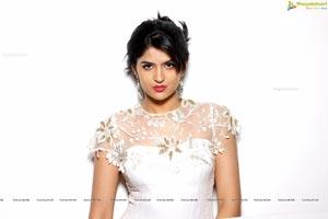 Canon 5D Indian Actress Deeksha Seth Sample Photos